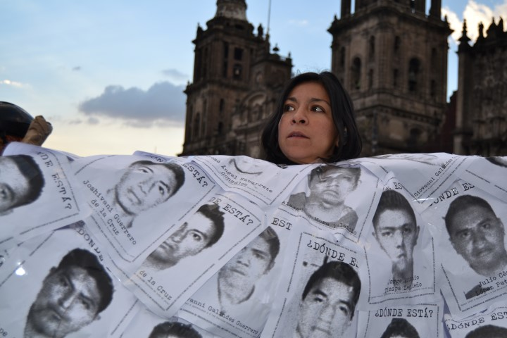 Marcha-Ayotzinapa-8-oct-276-Small